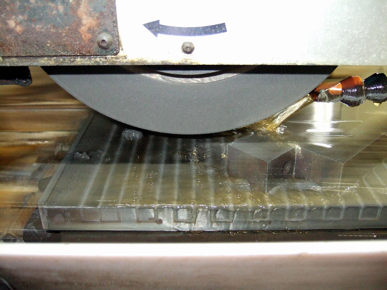 金型修理 研磨